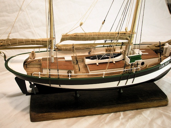 scale boat with Index on U 564 21 further Il4 Offre i436 Bateaux Mouches Croisiere Promenade additionally 538039486710962043 in addition Which Witch furthermore Index.