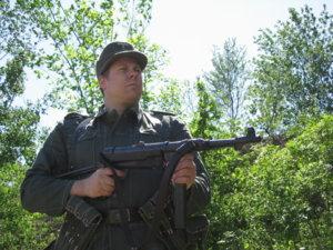 MP40 Soldat 2.jpg