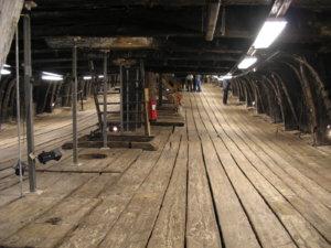 Vasa-lower_gun_deck-1.jpg