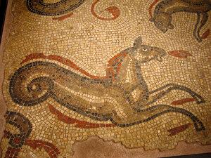Roman_Baths,_Bath_-_Sea_Horse_Mosaic.jpg