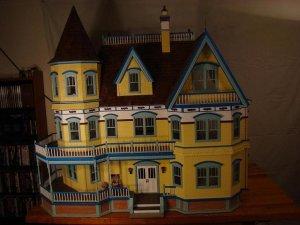 Queen Anne Dollhouse 033a.JPG
