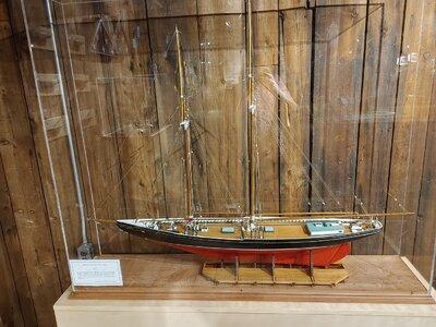 Bluenose Model by Capt George Myra , Whole Model.jpg
