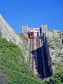 220px-Hastings_funicular_railway.jpg