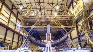 Ribs_of_the_ship_«Poltava»,_July_2014.jpg