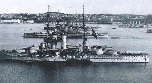 Tegetthoff_class_battleships_in_Pola_1915.jpg