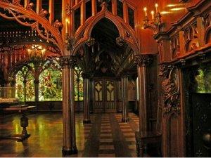 gothic room2.jpg