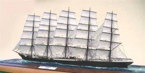Preussen under sail.jpg