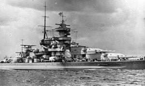 Bundesarchiv_DVM_10_Bild-23-63-02,_Schlachtschiff__Gneisenau_.jpg