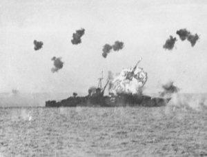 USS_Louisville_(CA-28)_is_hit_by_a_kamikaze_in_Lingayen_Gulf_on_6_January_1945_(80-G-363217).jpg