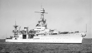 1920px-USS_Louisville_(CA-28)_visiting_Australia,_2_February_1938.jpg