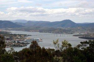 1280px-Tasman_Bridge.jpg