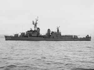 1024px-USS_Walke_(DD-723)_off_the_Mare_Island_Naval_Shipyard_on_11_October_1961_(NH_99816).jpg