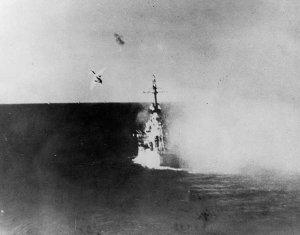 Kamikaze_attacks_USS_Columbia_(CL-56)_in_Lingayen_Gulf_on_6_January_1945_(NH_79449).jpg