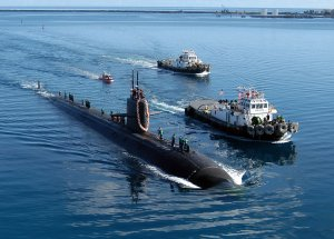 1280px-USS_San_Francisco_(SSN-711)_Apra.jpg