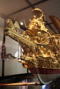 Bow_of_the_Bucentaur_model,_Museo_storico_navale,_Venice_-_20090415.jpg