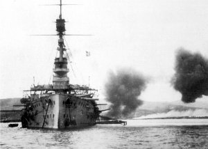 HMS_Cornwallis_broadside_Suvla_December_1915.jpg