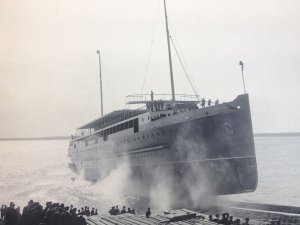 1280px-Launch_of_Ben-my-Chree_(III)_March_23rd,_1908..JPG