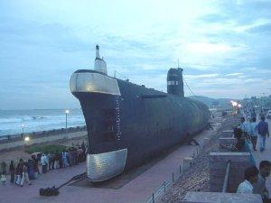 Vizag_submarine_museum.jpg