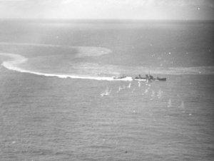 Japanese_destroyer_under_attack_off_Truk_in_February_1944.jpg
