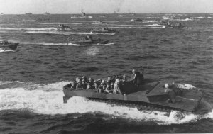 Tracked_landing_vehicles_(LVTs)_approach_Iwo_Jima;fig14.jpg