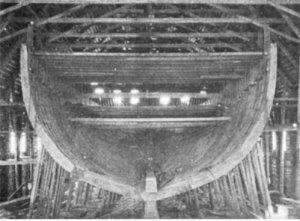 SS_Roosevelt_(1905)_hull_under_construction.JPG
