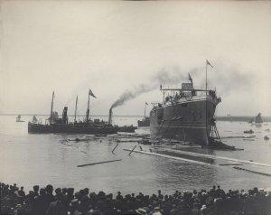 Launching_of_the_HMS_Euryalus_(1901).jpg