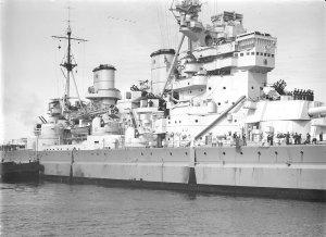 1280px-HMS_King_George_V_midships_SLV_Green.jpg