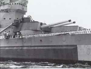 HMSHoweBTurretSydney1944.jpg