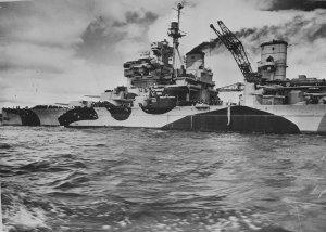 HMS_Howe_(32)_c1943.jpg