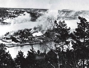 Oscarsborg_Fortress_under_air_attack,_9_April,_1940.jpg