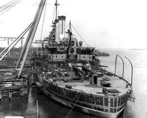 1024px-USS_Mississippi_BB-23_construction.jpg