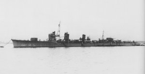 1920px-Japanese_destroyer_Tanikaze_at_anchor_in_April_1941.jpg