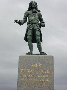 800px-René_Duguay-Trouin_statue_in_Saint_Malo.jpg