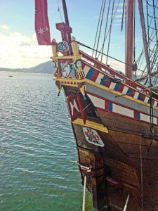 Decorated_stern_of_the_Duyfken_replica.jpg